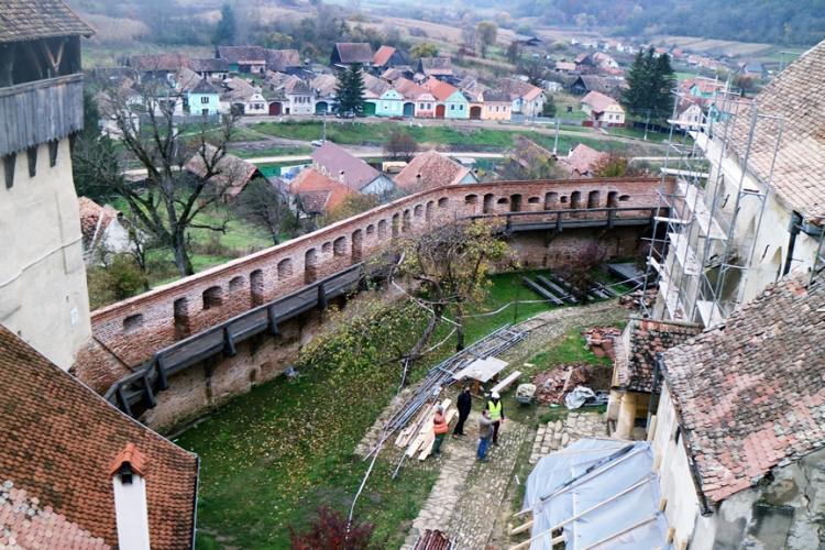 Cum decurge restaurarea bisericii fortificate din Alma Vii, comuna Moșna - FOTO