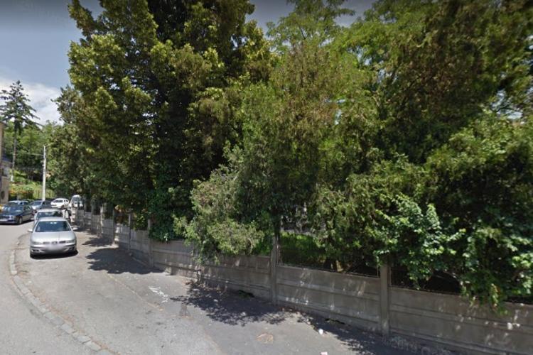 Prodvinalco face bloc pe strada Crișan 26, pe un teren cu spațiu verde. Arhimar le dă soare oamenilor 2 ore iarna - FOTO