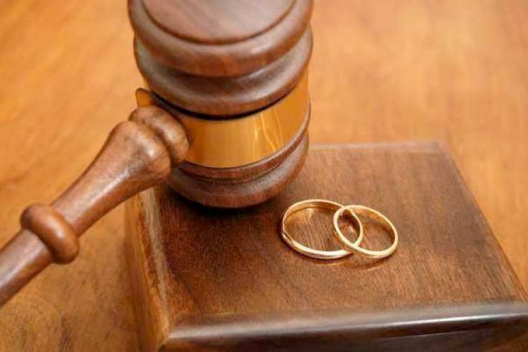 Tribunalul a obligat un bărbat să-și plătească fosta soție pentru munca făcută acasă în timpul căsătoriei