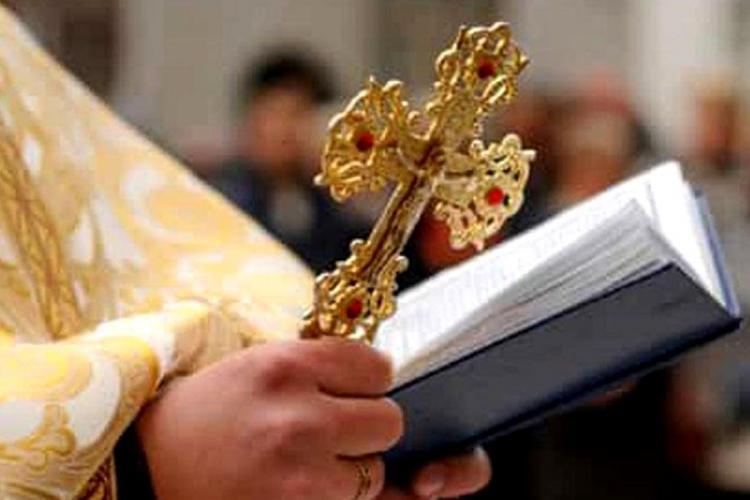 Halucinant! Preot amendat la Cluj pentru că i-a blestemat pe jandarmi. Caz controversat