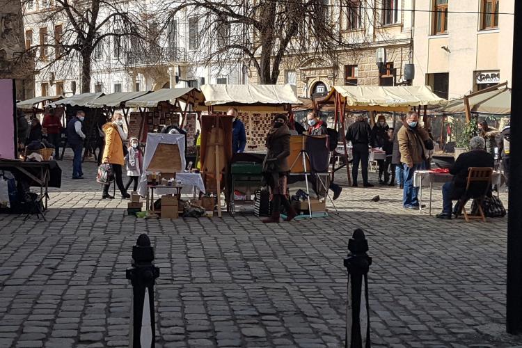 Standurile cu mărțișoare au înflorit pe străzile Clujului. Vine primăvara - FOTO