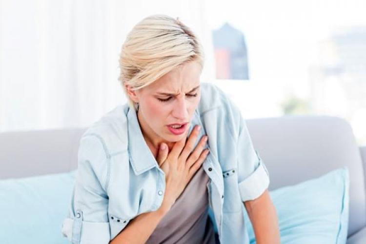 Simptomele de Covid-19 pot fi resimţite timp de până la nouă luni de la infectare – oboseală, dificultăţi de respiraţie, tulburări de somn
