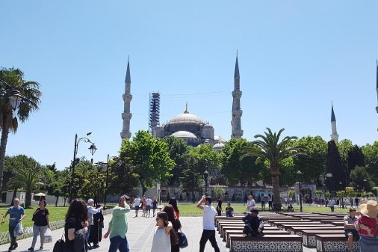 Turcia vaccinează toți lucrătorii din turism. Nimeni nu are de ales