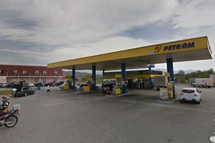 Un tânăr a murit imediat ce a oprit maşina lângă o pompă, într-o benzinărie din Sibiu