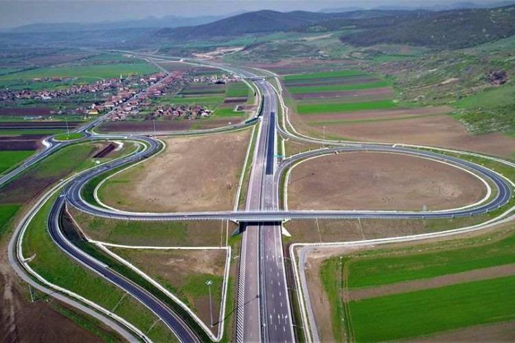 Constructorul autostrăzii Sebeş - Turda promite că termine lucrarea până în vară