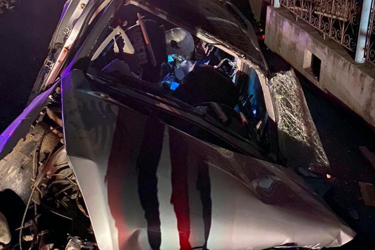 Accident mortal la Cluj. A intrat într-un cap de pod la Bunesti - FOTO