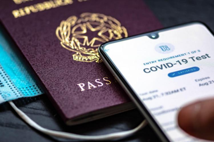 Pașaportul COVID va apărea în vară. Ce va conține documentul