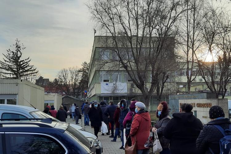 Bolnavii de la Institutul Oncologic din Cluj se simt umiliți / Dir. Cătălin Vlad: Nu refuzăm pe nimeni, chiar și fără programare - FOTO