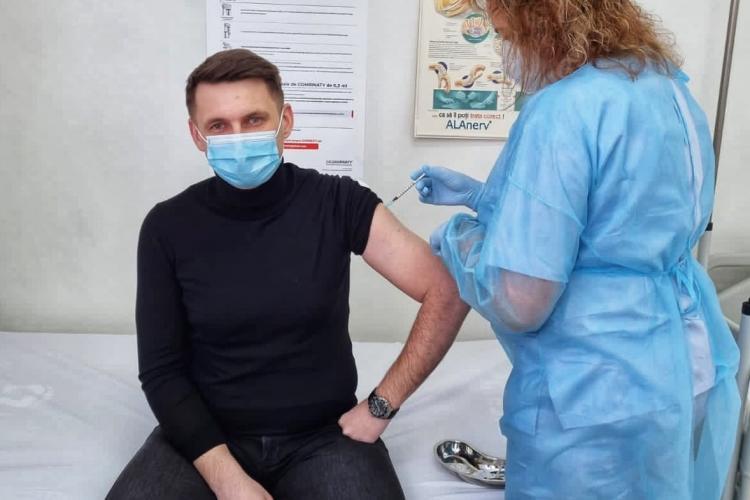 Fostul prefect al Clujului s-a vaccinat. Ce sfat a transmis - FOTO