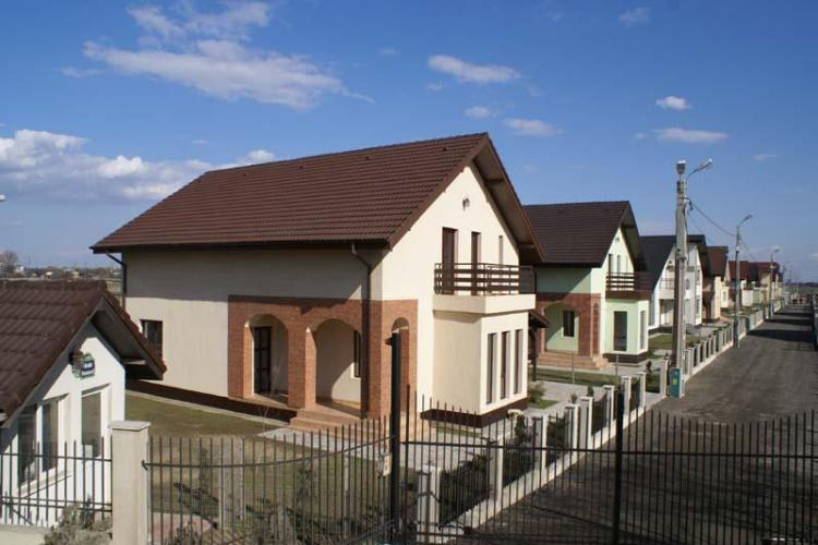 Boc, întrebat dacă are în vedere un cartier exclusiv de case, fără bucățică de bloc, pe modelul cartierul Andrei Mureșanu