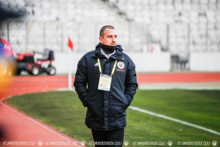 Haos la U Cluj! Suporterii nu mai înțeleg nimic! Antrenorul Costel Enache: Îmi asum eșecul, nu țin de scaun, dar vreau să-și mai asume și alții