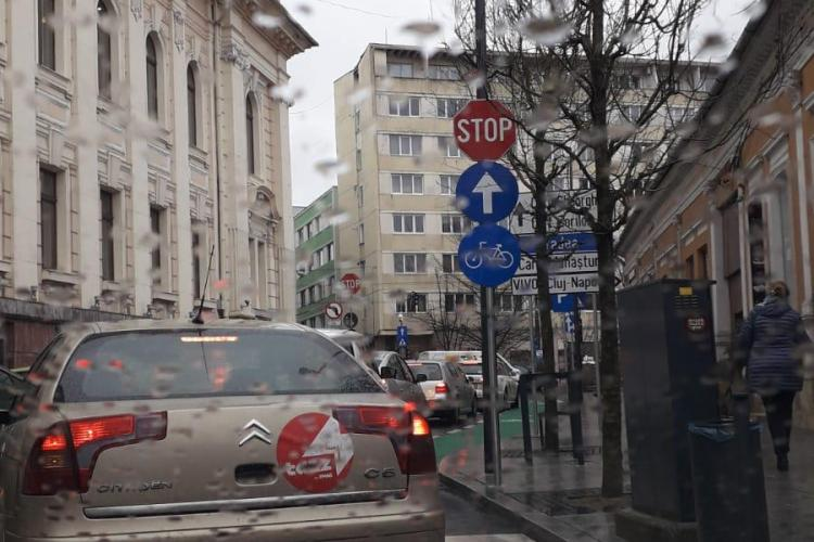 Clujul este blocat sub trafic. Nodul este în Piața Lucian Blaga - FOTO