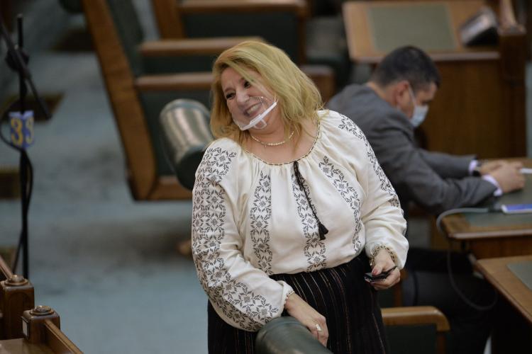 Diana Șoșoacă spune că nu o atrage PSD: Toate partidele mă vor