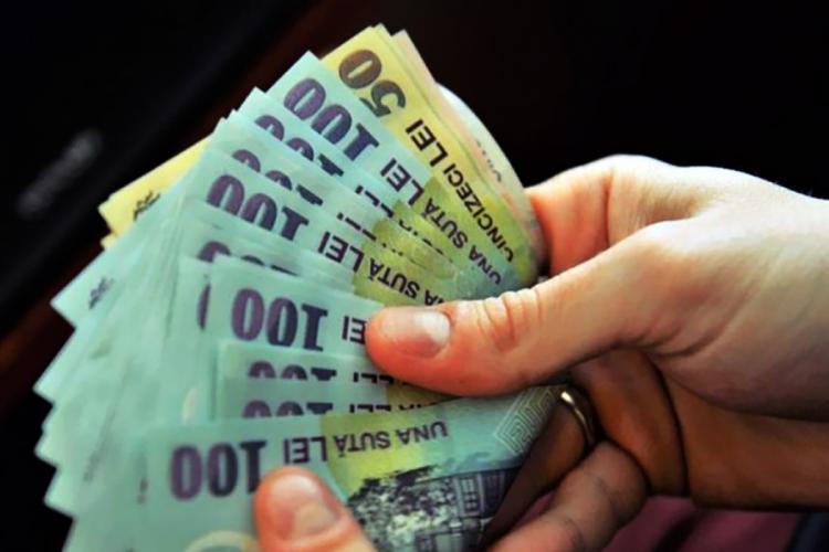 Premierul Cîțu îngheață salariile bugetarilor și pentru 2022: Statul ne trage în jos