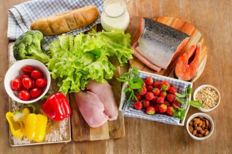 La ce ore trebuie să mănânci ca să slăbești. Secretul siluetei de model
