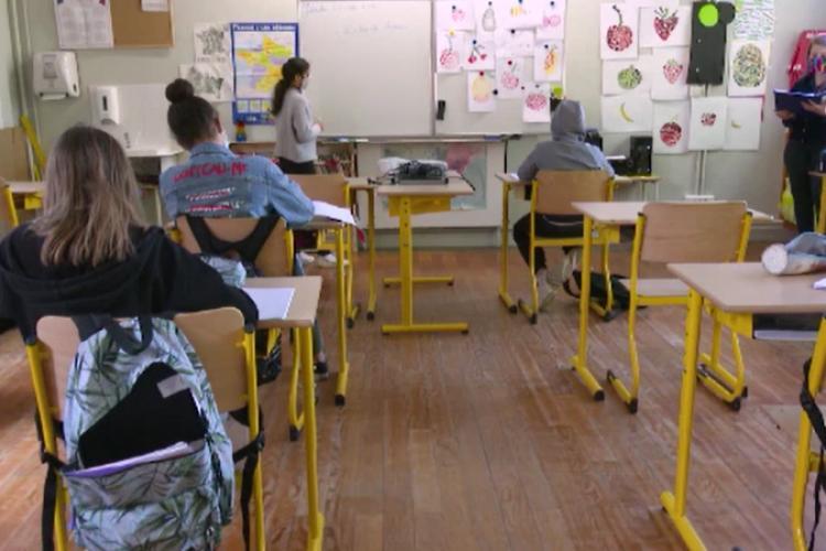Cluj: 86 de elevi confirmați cu COVID-19