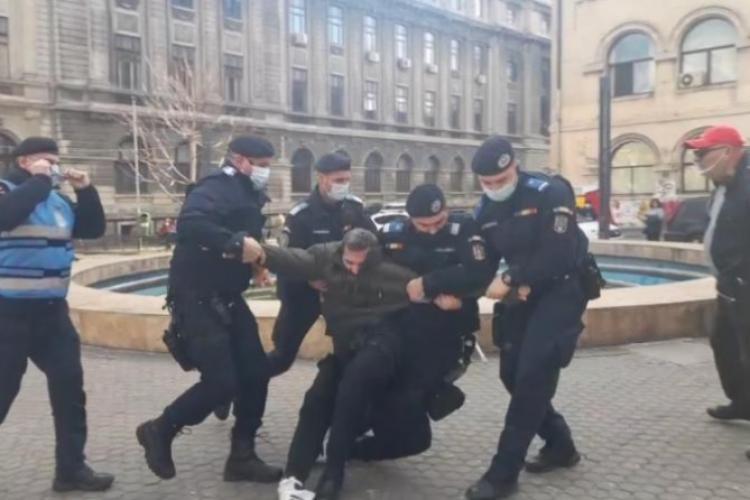 Protestatar reținut în București, pentru că nu purta mască - FOTO