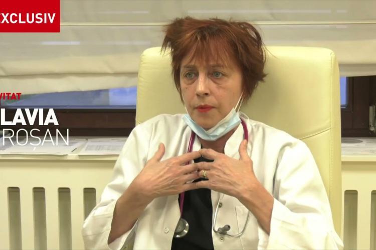Oamenii o susțin pe medicul Flavia Groșan, care riscă să fie dată afară din medicină