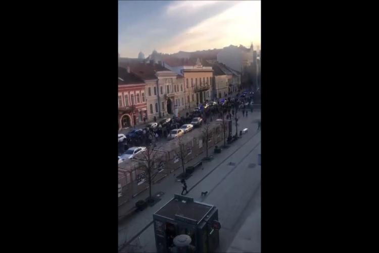 """Imagini cu protestul de la Cluj, cel real ca amploare: """"Câteva zeci de persoane…?"""" - VIDEO"""