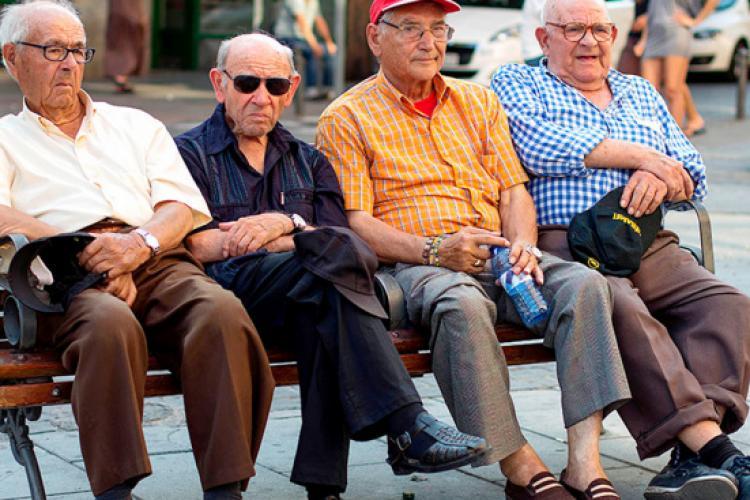 Unul din doi români iese la pensie înainte de a împlini vârsta standard