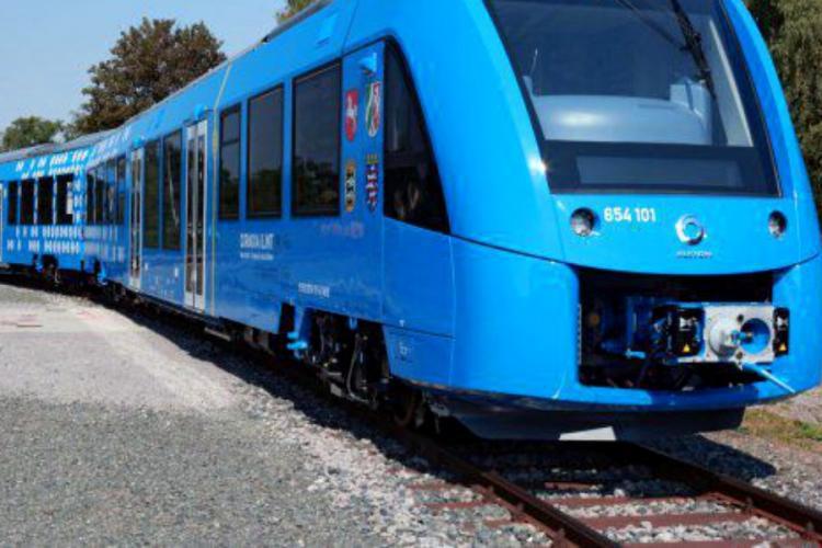 """România vrea să cumpere trenuri cu hidrogen prin PNRR. """"Când vede olteanul girafa"""""""