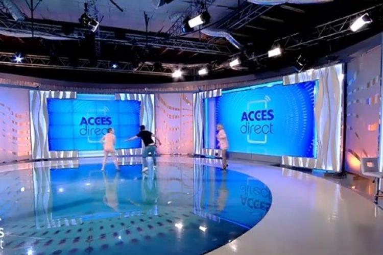 """Prezentatoarea emisiunii """"Acces Direct"""", atacată în platou de o femeie DEZBRĂCATĂ cu o cărămidă"""