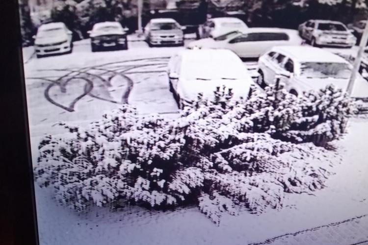 Cluj: Picasso pe patru roți. Ce a făcut acest șofer în Mănăștur - FOTO