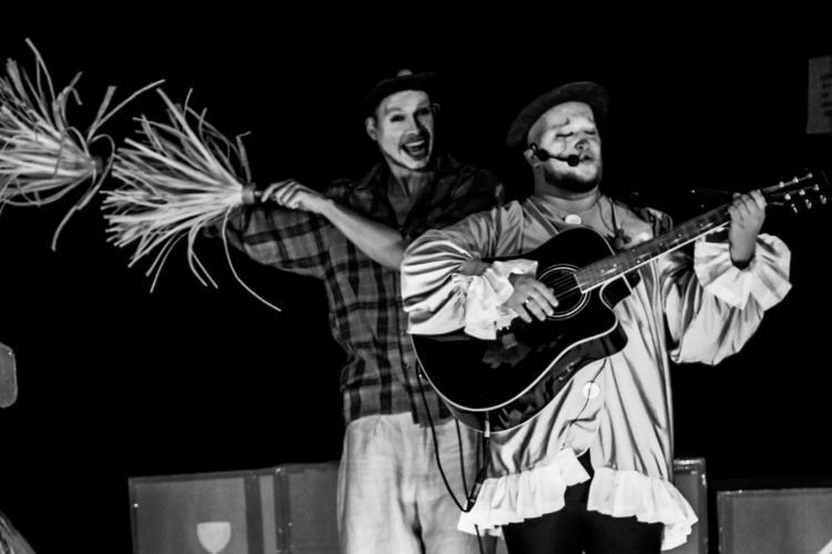 Mesajul actorilor de la Teatrul din Turda, închis din cauza pandemiei: Aveți credință, iar când totul va trece ne vom revedea - FOTO