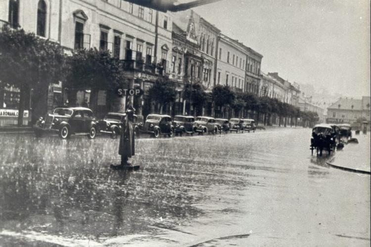 Imagine superbă din Cluj, 1949. Parcă e din New York -ul anilor '50 - FOTO
