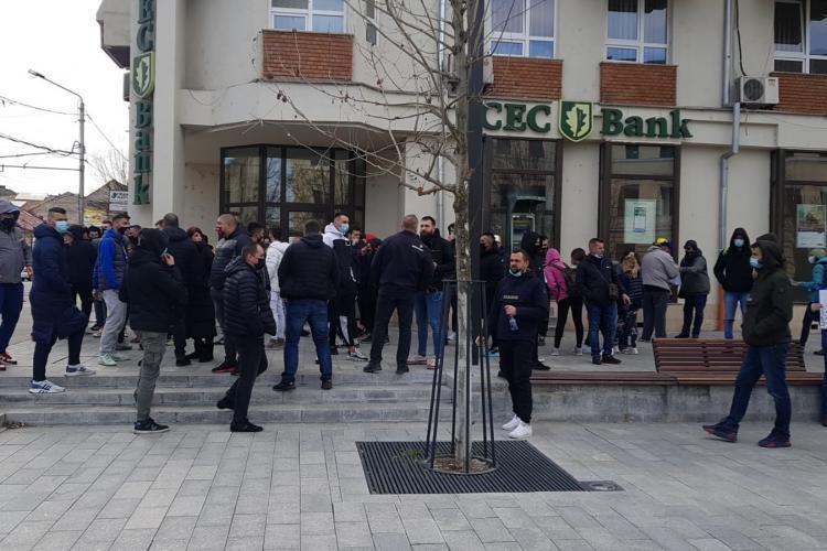 Încep protestele și la Cluj-Napoca. Sunt prezenți și ultrași din galeriile orașului - VIDEO