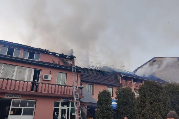 Incendiu pe strada Dejului din municipiul Gherla - VIDEO