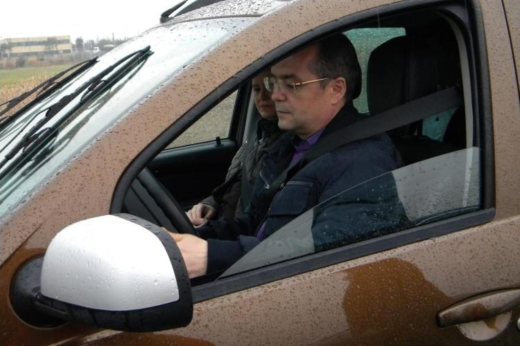 """Scrisoarea unui """"Cârcotaș Civic"""", pentru Emil Boc: E plin de rable în Cluj-Napoca? Ne scuzați că nu avem salariile de la Primărie!"""