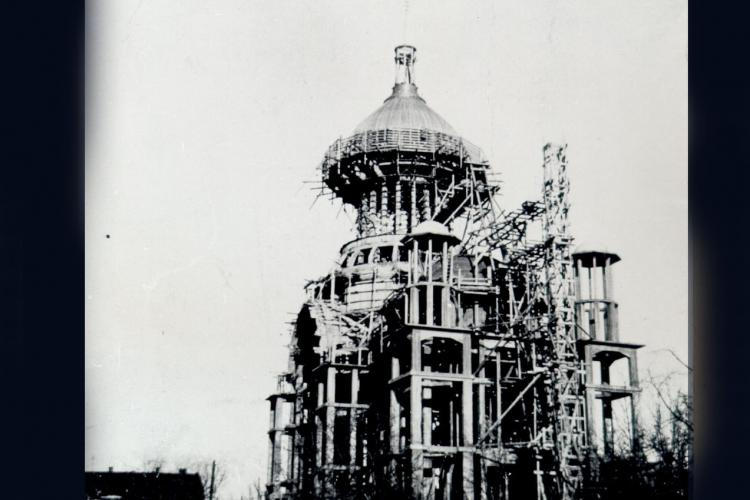 Fotografii impresionante de la construirea Catedralei din Cluj-Napoca. Ctitorul ei este episcopul Nicolae Ivan - FOTO