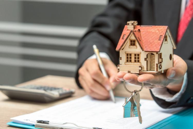 Casă nouă. 15 lucruri pe care trebuie să le faci înainte de a-ți cumpăra o casă