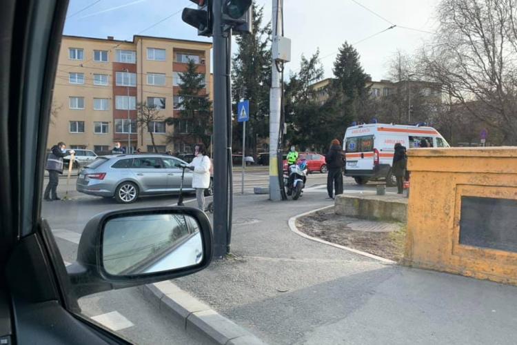 Accident rutier la Podul Garibaldi! O persoană este rănită - FOTO