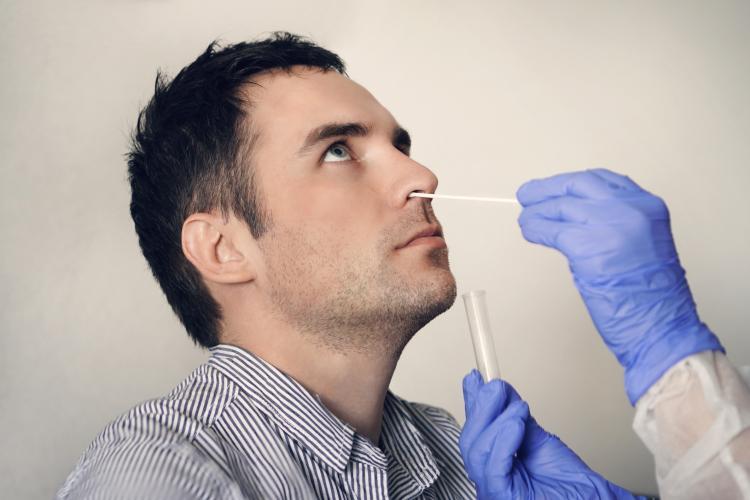 Ministerul Sănătății propune ca farmaciile să poată realiza teste rapide pentru depistarea COVID-19