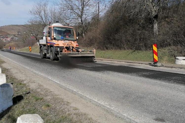 Lucrări de asfaltare între Apahida și Mociu. Traficul este afectat - FOTO