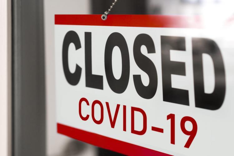Ce restricții intră în vigoare de vineri, 26 martie. În Cluj-Napoca se închid magazinele la 18.00