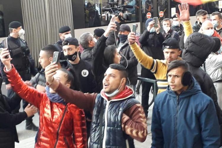 """Societatea civilă a ieșit la proteste la Cluj? Cine sunt acești oameni? """"Fac pariu ca nu știu sa își scrie nici numele"""" - VIDEO"""