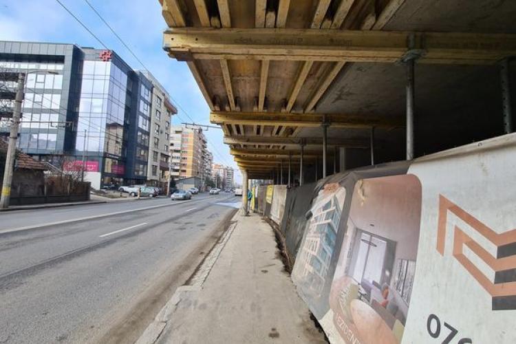 Blocul de peste trotuarul de pe strada Teodor Mihali e OK! Boc: Blocul respectă PUG -ul. Acest bloc nu încurcă cu nimic