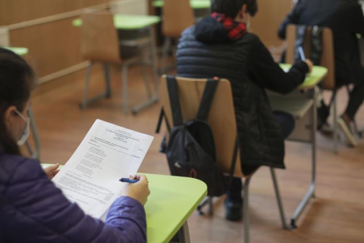 Peste 50% dintre elevii clujeni au promovat simularea examenului național de Bacalaureat 2021