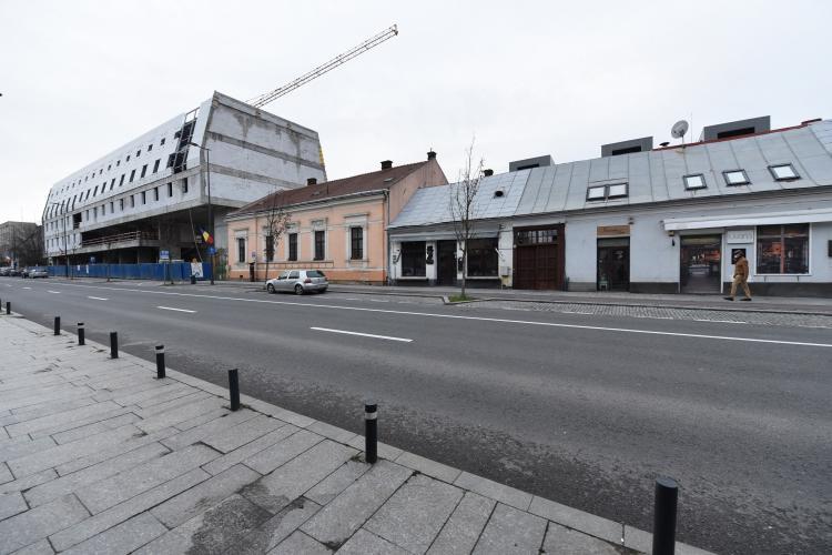 """Virgil Pop, șeful Monumentelor Istorice Cluj, despre hotelul """"cavou"""" de pe Avram Iancu: Primăria minte. Nu i-a obligat nimeni să emită autorizația"""