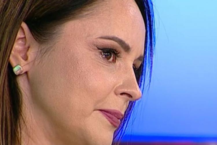 Andreea Marin s-a vaccinat cu AstraZeneca și a avut efecte care au pus-o la pat