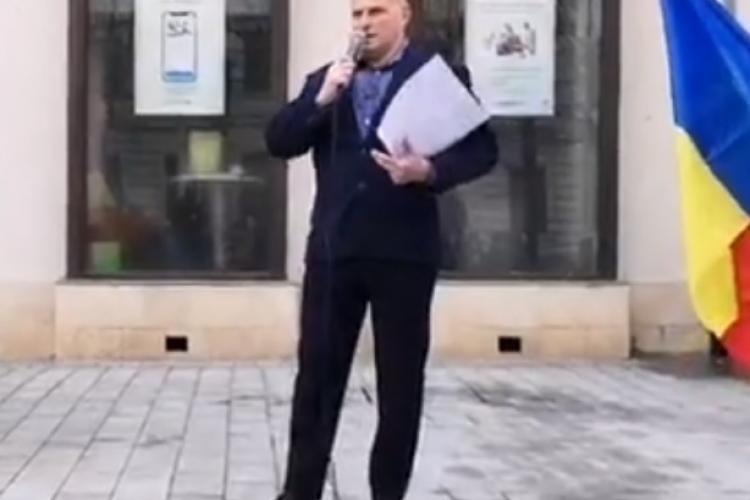 Mărincuș, discurs EXTREMIST la protestul AUR de la Cluj: Cei care au avut COVID sunt proștii convertiți / AUR s-a delimitat de el