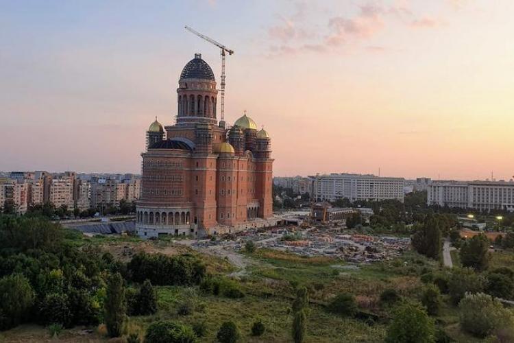 Patriarhul Daniel a lansat site-ul pictamcatedrala.ro pentru a strânge donații de la enoriași pentru picturile din Catedrala Mântuirii Neamului