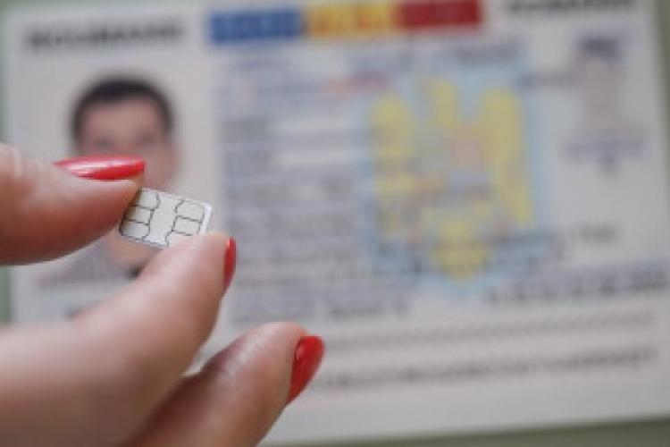 Cartea de identitate electronică nu va fi obligatorie, dar românii nu vor mai putea călători în străinătate fără ea