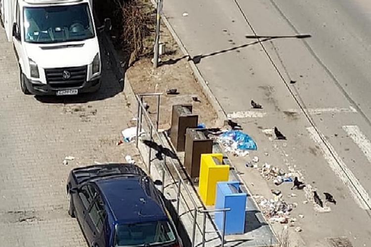 """Muncă sisifică în Baciu: Oamenii au făcut """"curățenie de primăvară"""" pe străzi. A doua zi, gunoiul era """"la locul său"""" - FOTO"""
