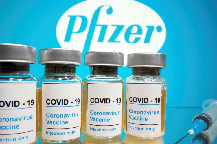 Tranșa de 500.000 de doze de vaccin Pfizer, care trebuia să ajungă luni dimineață în România, ÎNTÂRZIE