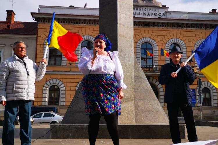 Amendă la protestul unde Șoșoacă nu a purtat mască. Nici Gheorghe Funar nu a purtat - FOTO