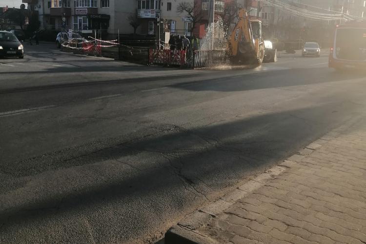 Dorel a spart o conductă în Turda: Fântănă arteziană pe banii oamenilor - FOTO